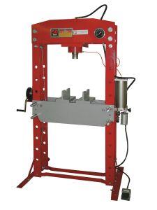 Tukeva käsi/paineilmakäyttöinen konepajapuristin asennus- ja korjaustöihin. Sivusiirto työsylinterissä.