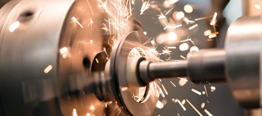 Työstökoneita ammattilaisille ja harrastajille. Puuntyöstökoneet, metallintyöstökoneet ja ohutlevykoneet