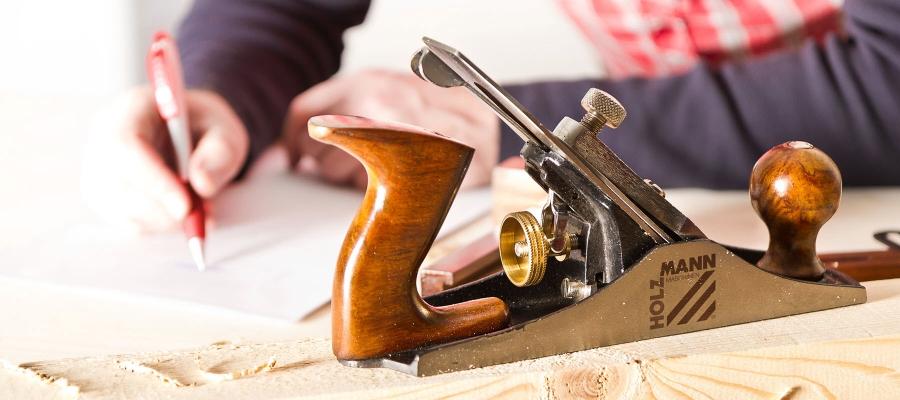 Puuntyöstötarvikkeita puuntyöstöön